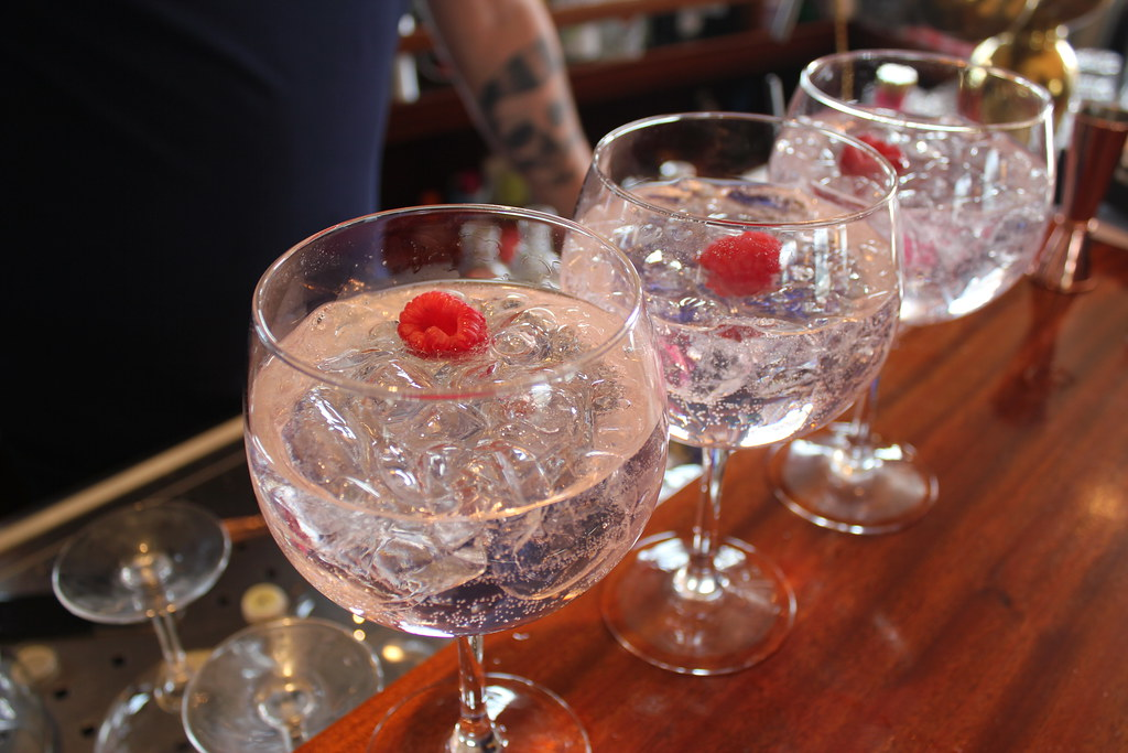 Exploring the Gin Revival: The Best English Gins in 2021